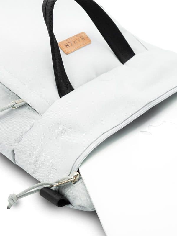 RANZN Rucksack Backpack Produktbild Geöffnetes Hauptfach
